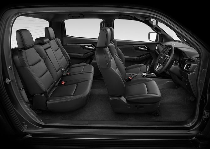 Isuzu D-Max for sale in Eldoret, Nairobi, Mombasa- Interior view of Front and Rear Seats